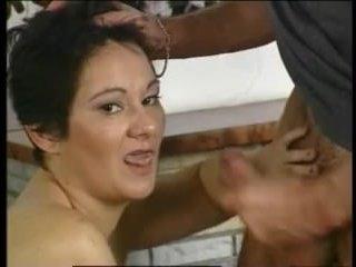 Порно видео с женщинами за 40 и мужчинами моложе