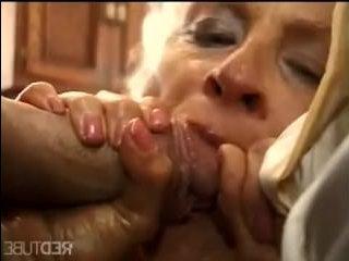 Порно бабушки: двойное проникновение двух членов