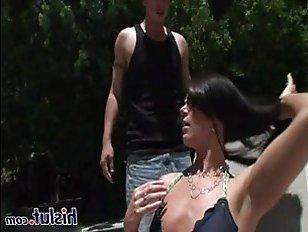 Лицо милфы в сперме оказывается, после секса с уборщиком бассейна