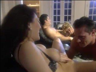 Жесткая групповуха красивых мам со зрелыми мужчинами
