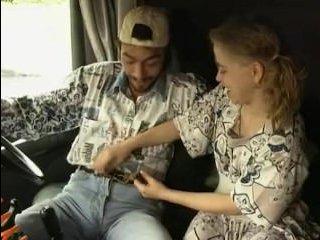 Замечательный порнофильм про жесткий секс со зрелыми