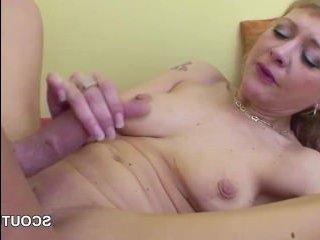 Анальный секс с мамой, лучшее что может быть в жизни молодого парня